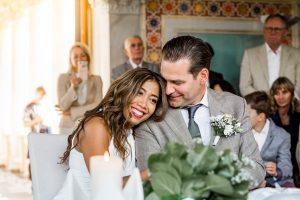 Boho Hochzeit Potsdam Brautpaar lächelt